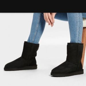 UGG Classic Shearling Lined Short Boot Black